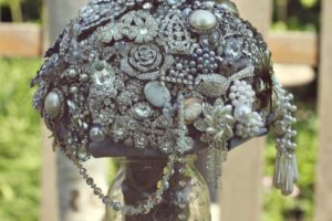DIY Brooch Wedding Bouquet