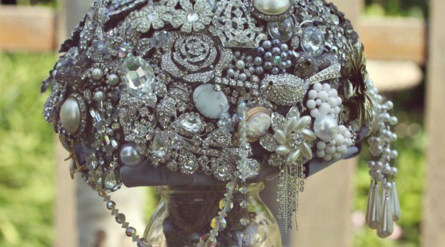 DIY Brooch Wedding Bouquet